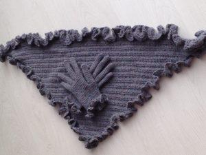 Drops alpaca shawl en handschoenen