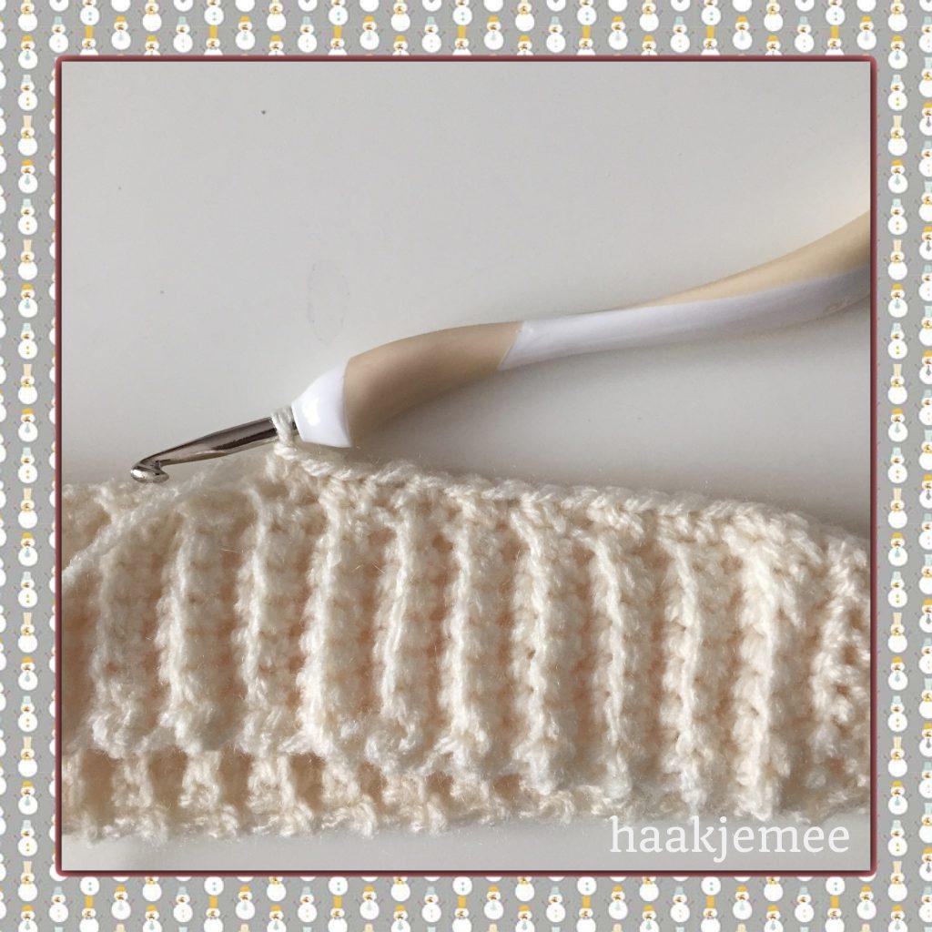 Three color messy bun beanie crochet pattern brim