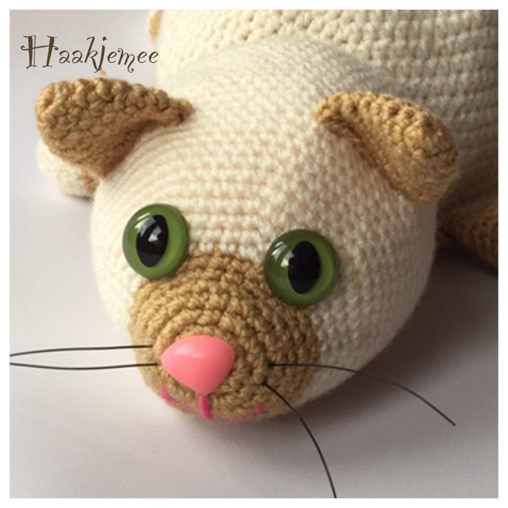 Flippable toy crochet pattern cat