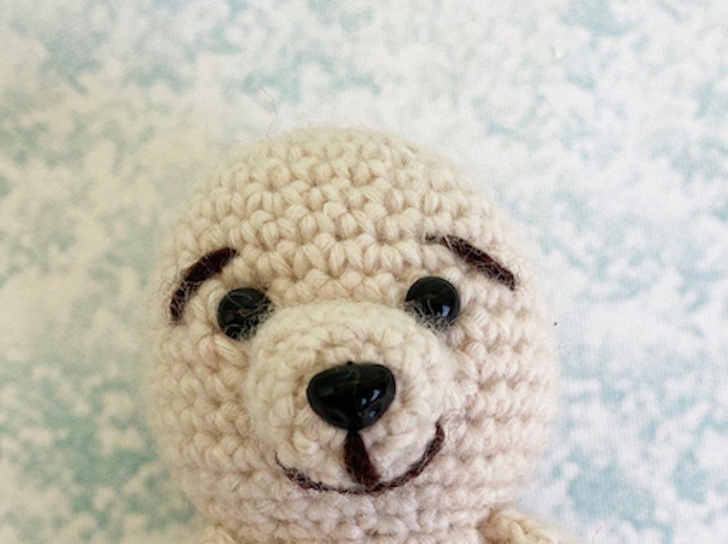 Little Christmas bear crochet pattern